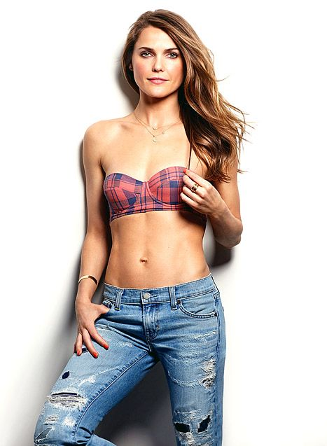 Keri Russell bares her fab abs and wears my sterling silver mini moon necklace with white diamonds! Available at www.elisasolomon.com