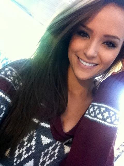 Her smile. I'm jelly.   h-i-p-s-t-e-r-i-s-h.tumblr.com