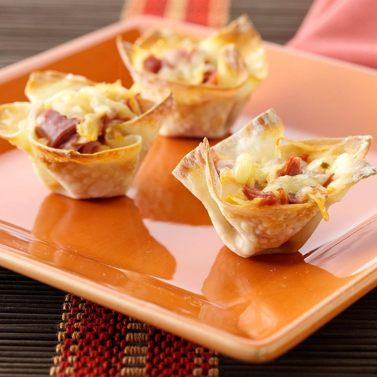 Mini Reuben Cups Recipe -Treat your company to this fun, simple nibble. The prebaked wonton wrappers hold all the savory flavors of a reuben sandwich.—Grace Neltner, Lakeside Park, Kentucky