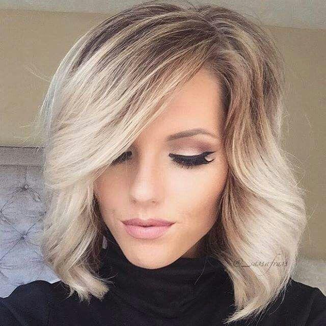 Degradado rubio en cabello corto