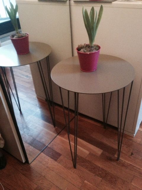 Coffee table in ferro verniciato colore tortora diametro 35x50h  vistita il nostro sito per sapere il prezzo disponibile subito