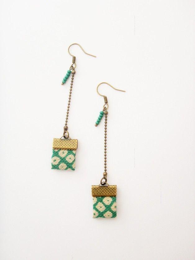 Boucles d'oreilles en tissu carré vert japonais - les-bijoux-d-ari sur DaWanda, 17.00€