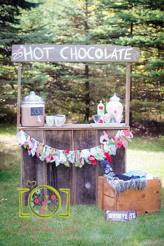 holiday mini session win! hot chocolate stand | www.facebook.com/ohphotos