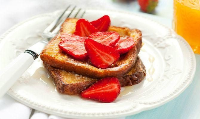 This delicious cake batter French toast is a sweet delicious treat for morning and can even double as a dessert. Here we use Betty Crocker lemon cake mix, but any cake mix flavor can be substituted.