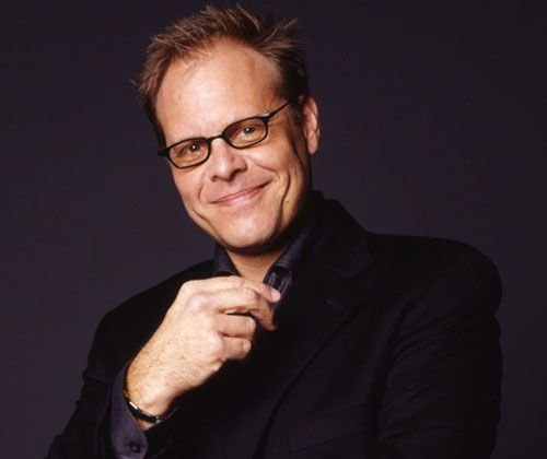 """Alton Brown's Healthy Eating Guidelines    Daily  - Fruits  - Whole Grains  - Leafy Greens  - Nuts  - Carrots  - Green Tea    3 times a week  - Oily Fish  - Yogurt  - Broccoli  - Sweet Potato  - Avocado    Once a week  - Red meat  - Pasta  - Dessert  - Alcohol    NEVER!  - Fast Food  - Soda  - Processed meals/frozen dinners  - Canned soup  - """"Diet"""" anything    Eat breakfast every day, no exceptions."""