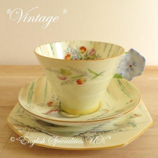 - イギリス雑貨と紅茶とハーブティーのお店 English Specialities ROYAL PARAGON - Art Deco Flower Handle VINTAGE Trio