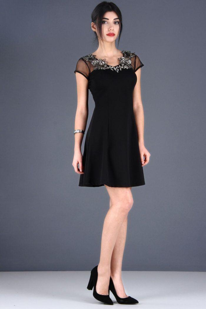 Üst Nakış İşleme Tül Detay Siyah Elbise 49.99TL