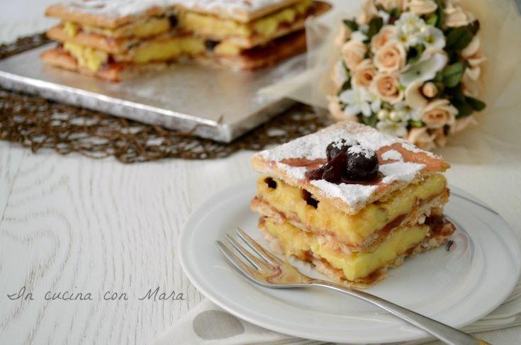 La millefoglie crema e amarene è un dolce molto semplice e veloce da realizzare soprattutto se si usa la pasta sfoglia già cotta.