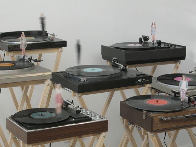 Vinyle / 2009 / (video). Emilie Faif
