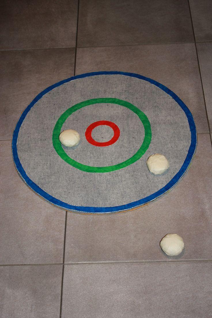 Jeu d'adresse pour enfant (anniversaire, fête ...) Arriver à lancer la balle au centre, pas si facile !