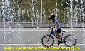 Menores de 16 años obligados a circular con casco en bicicleta. Propiedad de Componentes Bicicleta Baratos en Zaragoza.