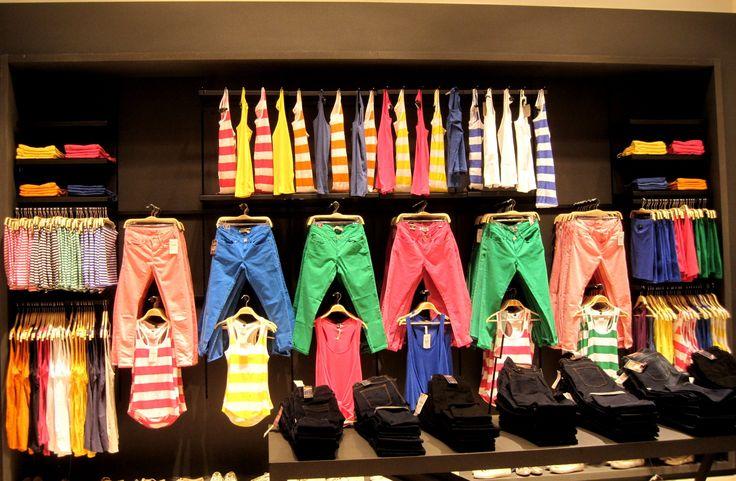Visual Merchandising Ideas Clothing #visualMerchandising #merchandisingRopa