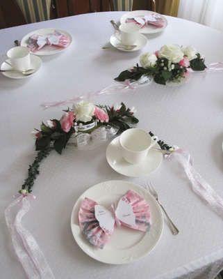 18 Schmetterling Tischkarten Platzkarten+ Servietten Taufe Mädchen rosa Deko