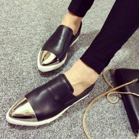 купить Привлекающие внимание туфли на плоской подошве NEW COLLECTION        2600 грн