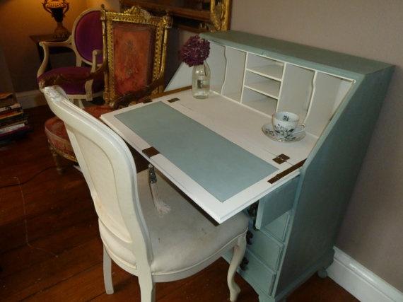 Gorgeous Vintage Bureau / Writing Desk by JadesHeavenlyHomes, £195.00