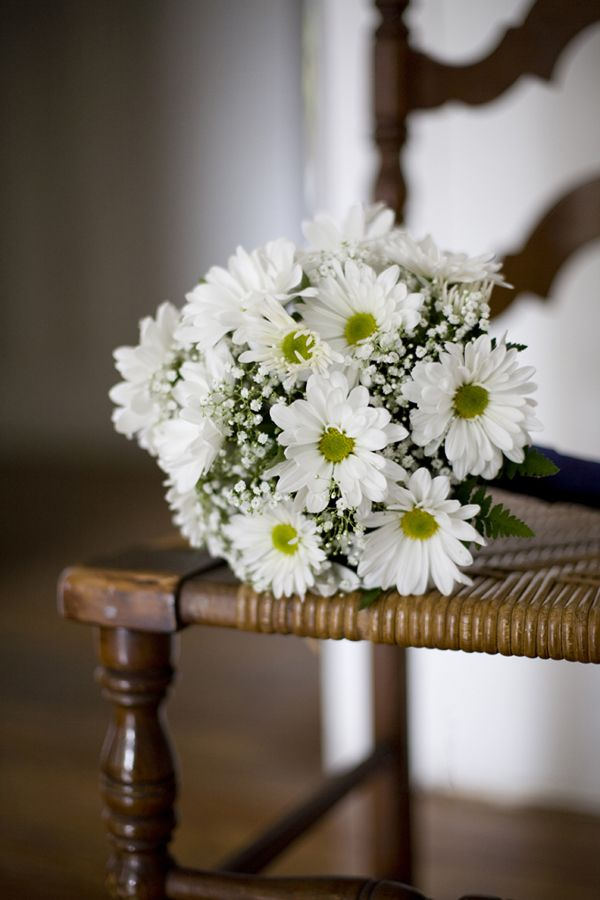 25  best ideas about daisies bouquet on pinterest