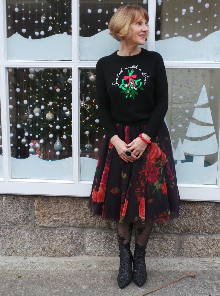 Quirky over 50s fashion blogger Anna Parkes from Annas Island Style in her contemporary take on Christmas Jumper chic