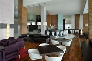 Verenigde Arabische Emiraten Dubai Dubai  Lage: Das Stadthotel ist für Geschäftsreisende wie Urlauber günstig im Herzen von Dubai Media gelegen und nur ca. 10 Fahrminuten von den Einkaufszetnren Mall of the Emirates und...  EUR 1190.00  Meer informatie  http://dubaiservice.eu http://ift.tt/1U3o6T7 #Dubai #arabischeemiraten