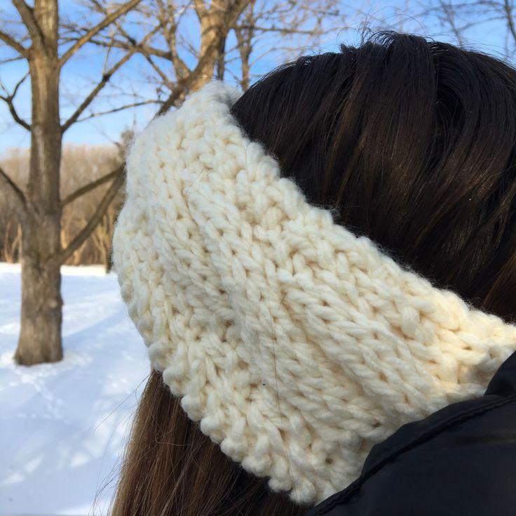 Crème - Bandeau tressé en acrylique - Adolescent/Adulte par maudeamelie sur Etsy https://www.etsy.com/ca-fr/listing/496785294/creme-bandeau-tresse-en-acrylique  Headband for winter! 100% acrylic no wool