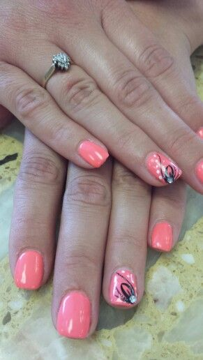 Corral nails with black design