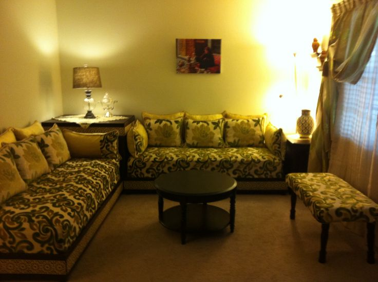 Lovely moroccan salon salon marocain vert jaune dore - Style de salon marocain ...