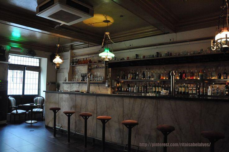 Bicaense, bar, R. da Bica de Duarte Belo 42