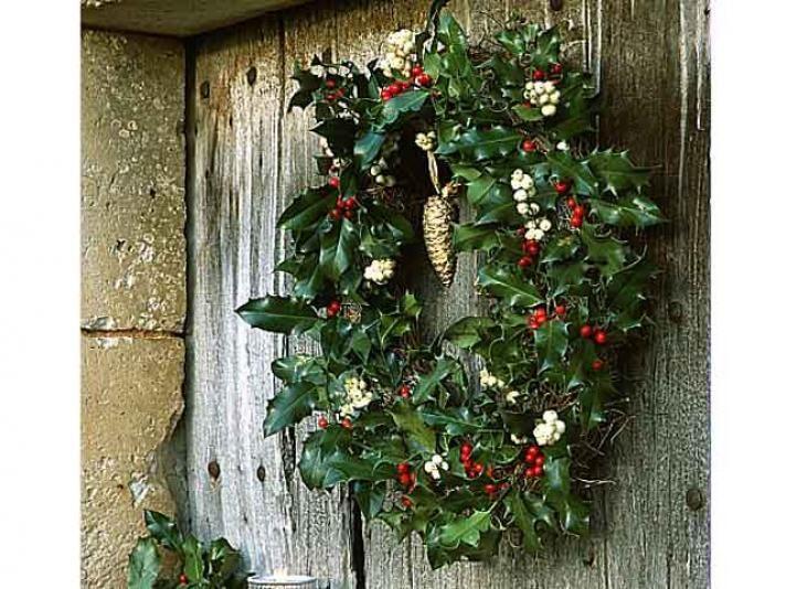 Couronne de Noël traditionnelle en houx - E. Brenckle - Rustica