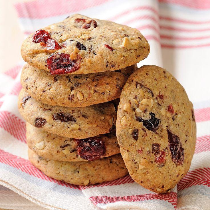 Découvrez la recette Cookies aux fruits rouges sur cuisineactuelle.fr.