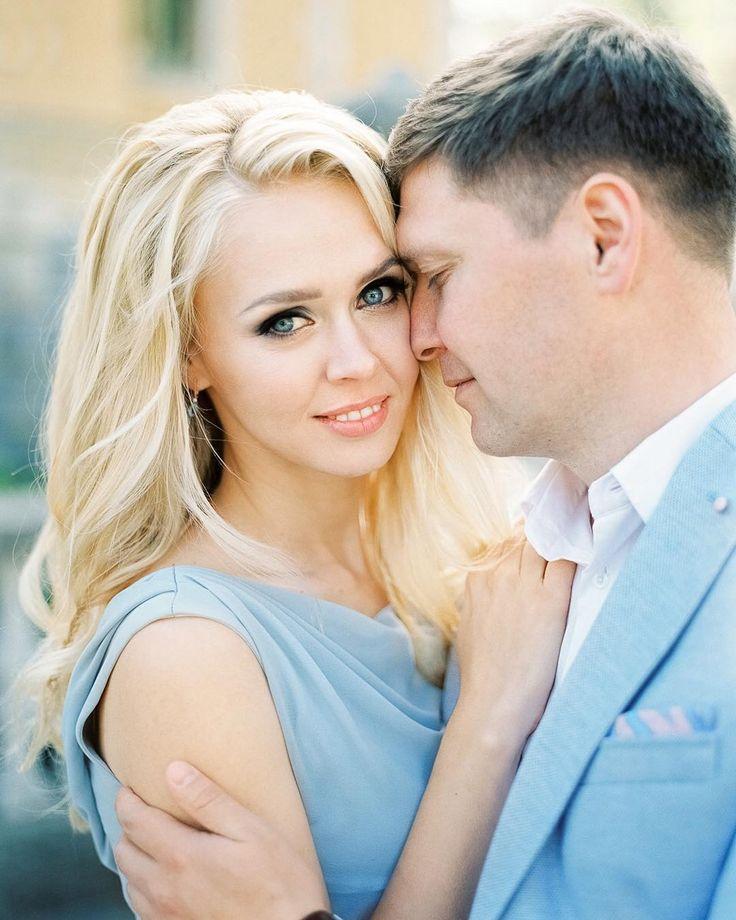 Вспоминая Крым... История о том как мы фотографировали свадьбу в Ялте! Посмотреть можно по активной ссылке в профиле  ------------------------------------------- #wedding #weddingday #pentax67 #6x7 #fuji400h #weddingdress #filmisnotdead #love #family #crimea #bride #groom #landscape #moscow #portrait #свадьба #крым #москва #фотографвмоскве #годовщина #годовщинасвадьбы #массандровскийдворец #фотосессия #фотографнасвадьбу by duet_postscriptum