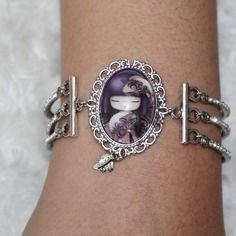 Bracelet argenté et strass cabochon en verre motif kokeshi