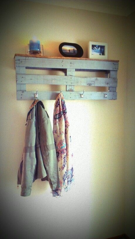 Pallet Coat Rack - use top of pallet for shelf. Like this color too.