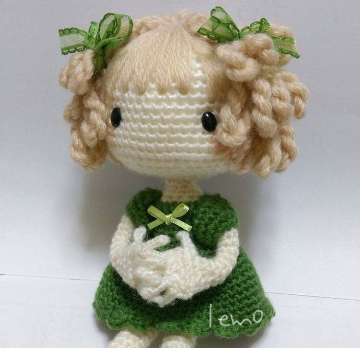crochet ☆ I wish this had instructions. She is cute!