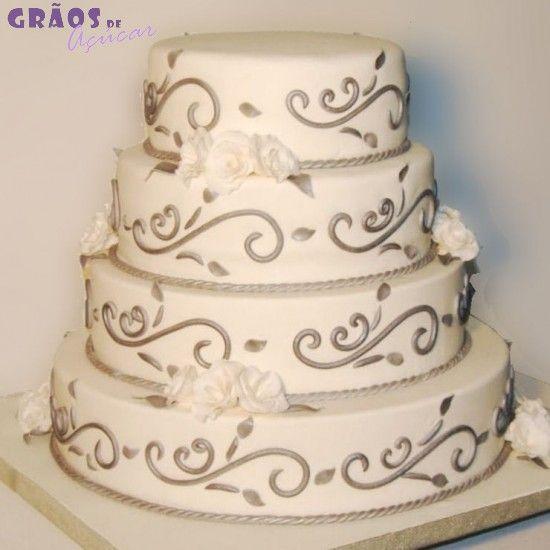 Prata | Esculpido | bolo casamento branco e prateado | Grãos de Açúcar - Bolos decorados - Cake Design