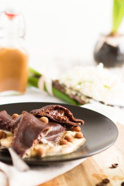 Schokoladen Ravioli mit Mascarpone Füllung, Karamell Mocca Sauce &…