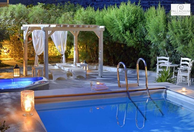 Surely the idyllic way to spend a sweet Mykonian night. Don't you agree? More at hotelpalladium.gr