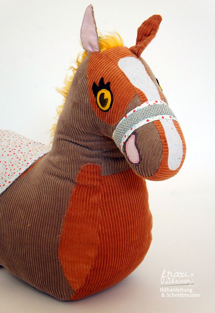 Schnittmuster und Nähanleitung für ein Reittier Pferd zum Schmusen, Reiten, kuscheln Kuscheltier Pony selbermachen nach einer Schritt-für-Schritt Anleitung