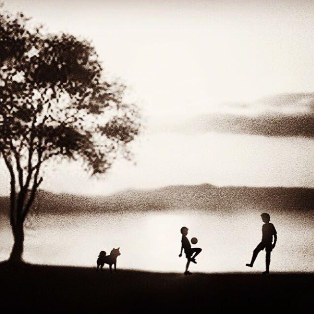 【02tykmmry13】さんのInstagramをピンしています。 《photography  #instagood#portrait #location# #canon#model#instalike #sunset#soccer#father and son #モノクロ#ポートレート#ロケーション#ライティング#キャノン#自然#dog#犬#森#forest #フィルム#サッカー#作品撮りフォローミー #写真撮ってる人と繋がりたい #写真好きな人と繋がりたい #キャノン#ふぁいんだー越しの私の世界#モノクロ#fairyart#ファンタジー#夕焼け#散歩道#親子》