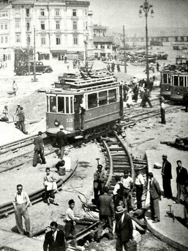 Tramvay #Eminonu #birzamanlar #istanbul #oldpics #istanlook #life #hayat