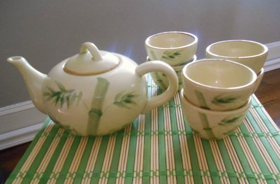Vintage Asian Teapot and  Cups by SouthernWaterlillies on Etsy