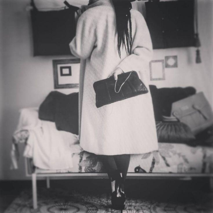Lana= calore, morbidezza, eleganza. Selezione di cappotti sul nostro Etsy. ** Wool= warm, soft, elegant. Coats selection on our Etsy.  #cybermonday #coat #blackandwhite #instadaily #instagood #instagramhub #photooftheday #igdaily #instamood #bestoftheday #picoftheday #igers #tweegram #igersitalia #beautiful #vintage #etsy #etsysellerofInstagram #etsyfind  #vintageshop #Style #italianJob #fashion #theitaliancabinet #moda