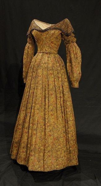 Printed Muslin Dress   c. 1837 (fabric: 1790-1818)   Bowes Museum