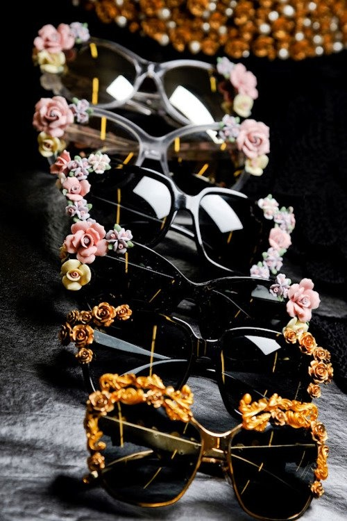 Shiaparelli inspired DIY sunglasses: Buy resin flowers from Etsy, glue onto sunglasses