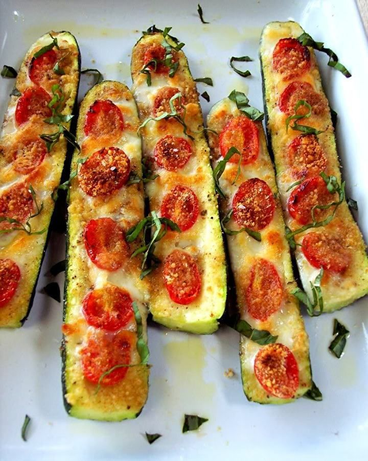 zucchini pizza boat. low calories, didn't miss having bread for the crust. LOVE THIS! New favorite.