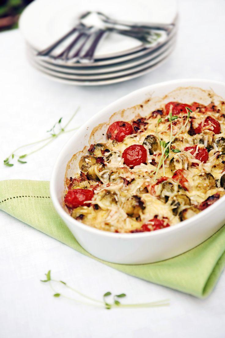 Skinklåda med brysselkål och tomat