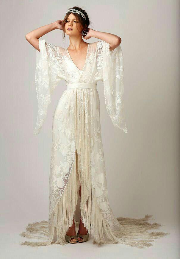 De estilo kimono y con estilo boho vintage. #vestidos #novia