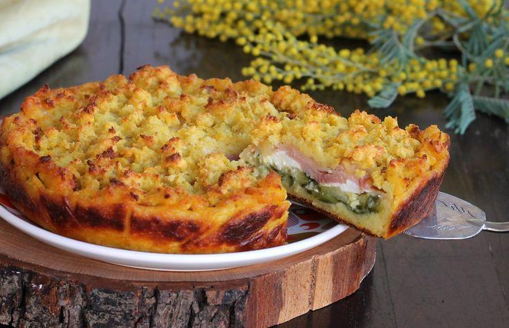La sbriciolata di patate ricetta torta salata facilissima a base di patate e farcita con zucchine, prosciutto cotto e formaggio. Buonissima è dire poco.