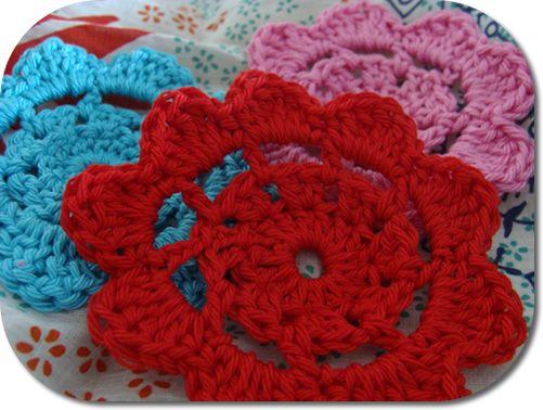 Patrón:: Feliz en Red crochet flores
