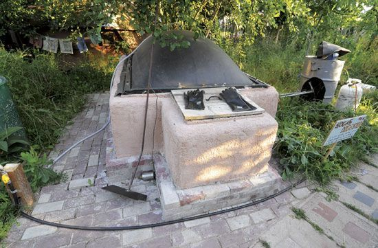 Make a Biogas Generator to Produce Your Own Natural Gas - Renewable Energy - MOTHER EARTH NEWS