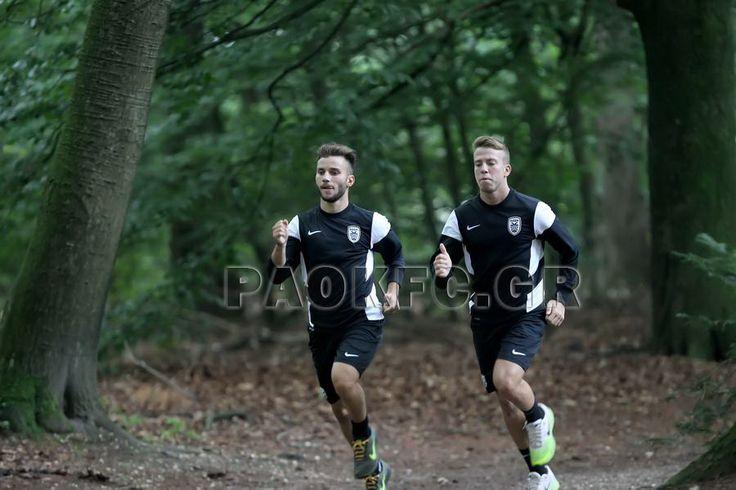 Τρέξιμο στο δάσος για να ξεφύγουν οι παίκτες από τα τετριμμένα και απολαύσουν παράλληλα με τη δουλειά την ολλανδική φύση
