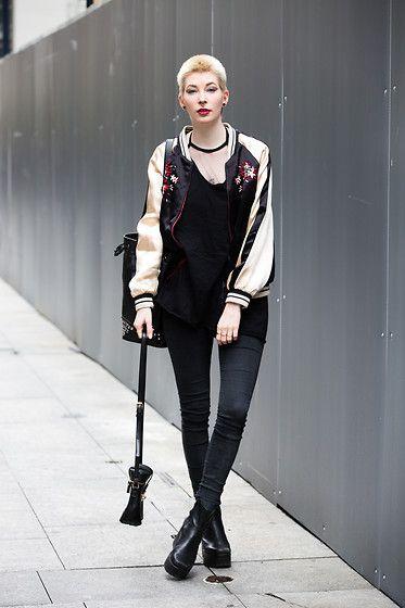 Get this look: http://lb.nu/look/8238865  More looks by Hanna W.: http://lb.nu/behindhermask  Items in this look:  Zara Bomber Jacket, Dr. Denim Skinny Jeans, Vagabond Norah   #chic #minimal #street #behindhermask #behindhermaskblog #hannaw #switzerland #summer #spring